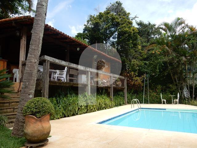 Casa à venda em Carangola, Petrópolis - RJ - Foto 1