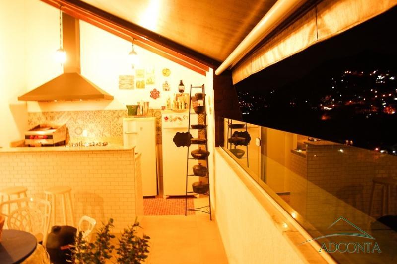 Cobertura à venda em Petrópolis, Samambaia