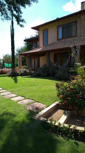 Casa para Alugar  à venda em Pedro do Rio, Petrópolis - Foto 1
