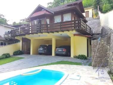 [CI 42] Casa em Mosela - Petrópolis/RJ