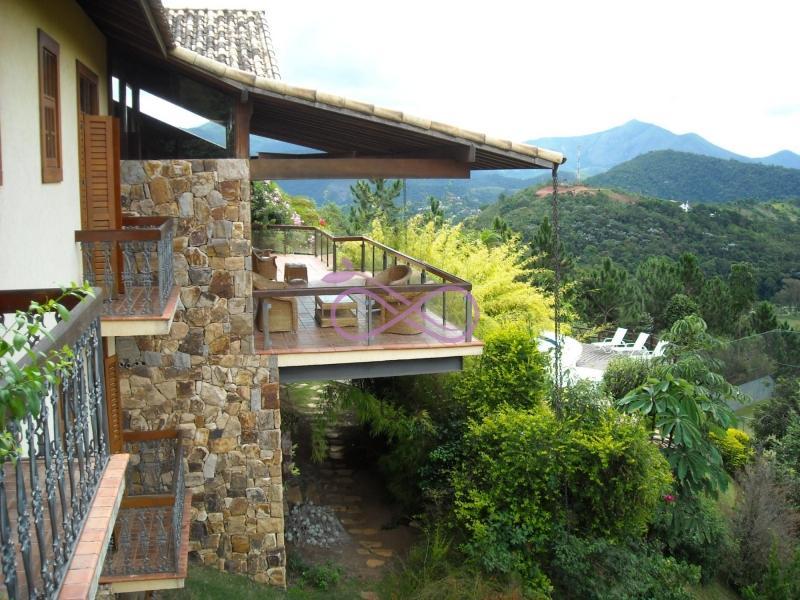 Casa de Condomínio em Petrópolis Nogueira