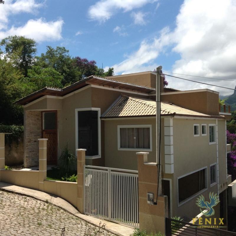 Casa à venda em Carangola, Petrópolis - Foto 1