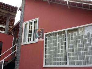 Casa em condomínio em Mosela Petrópolis