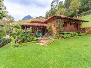 Casa em condomínio em Corrêas Petrópolis