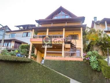 Casa em condomínio em Retiro Petrópolis