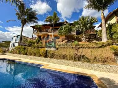 Casa em condomínio em Nogueira Petrópolis