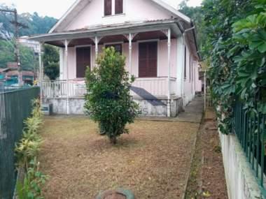 Casa em Valparaíso - Petrópolis - 6 Quartos