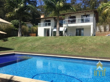 Casa em Itaipava - Petrópolis - 6 Quartos