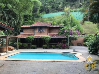 Casa em Cuiabá - Petrópolis - 4 Quartos