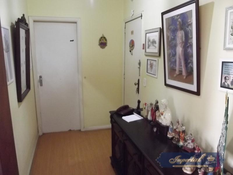 Apartamento à venda em Petrópolis, Centro