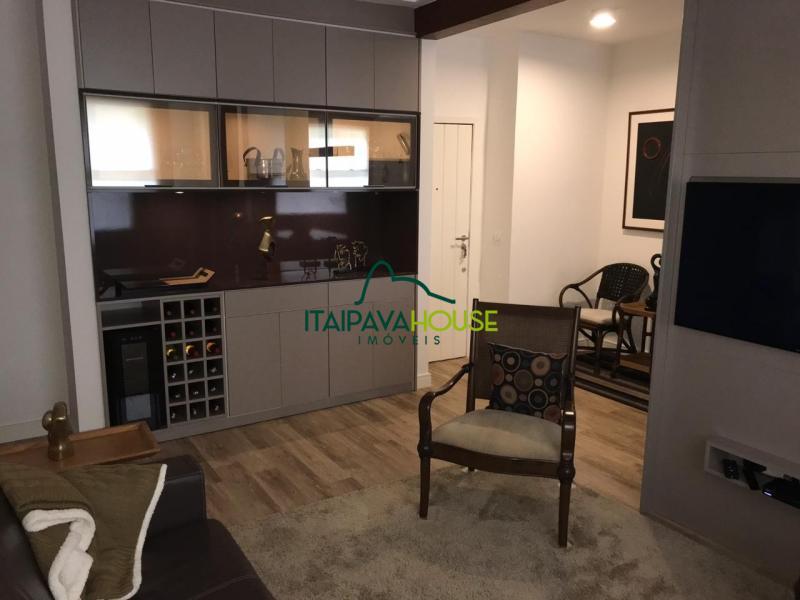 Apartamento para Alugar  à venda em Itaipava, Petrópolis - RJ - Foto 16