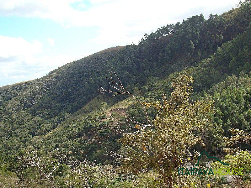 Foto - [820] Fazenda / Sítio Petrópolis, Posse