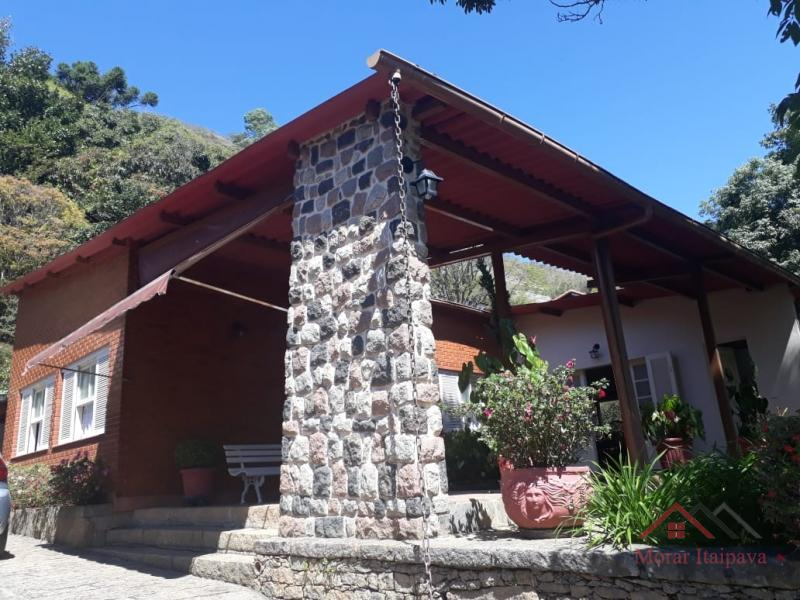 Casa em Petrópolis, Corrêas