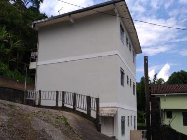 [CI 76] Prédio em Duarte da Silveira, Petrópolis
