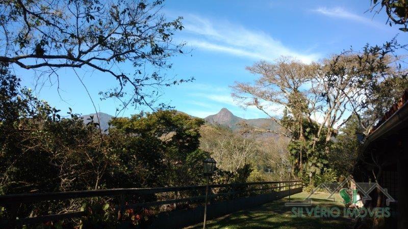 Casa à venda em Petrópolis, Carangola