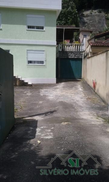 Casa em Mosela  -  Petrópolis - RJ