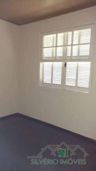 Casa em Quarteirão Brasileiro  -  Petrópolis - RJ