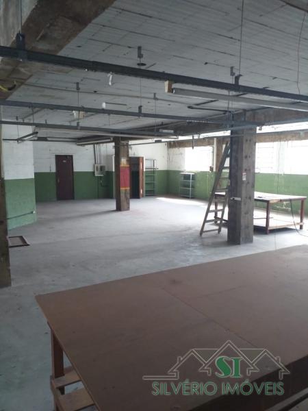 Sala em Quarteirão Brasileiro  -  Petrópolis - RJ
