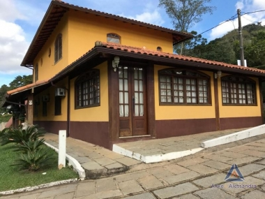 [CI 77] Casa em Itaipava, Petrópolis