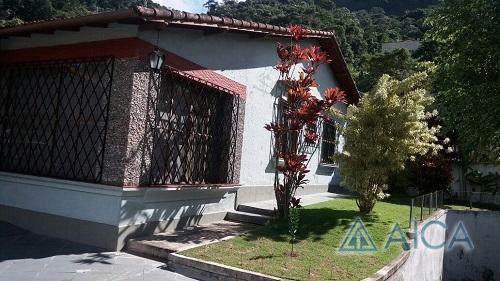 Casa à venda em Quissama, Petrópolis - RJ - Foto 1