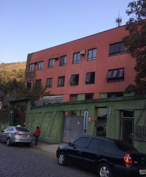 Imóvel Comercial para Alugar em Quarteirão Brasileiro, Petrópolis - RJ - Foto 1