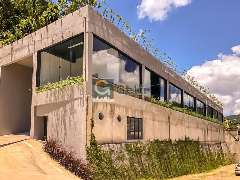 Imóvel Comercial para Alugar em Bingen, Petrópolis - RJ - Foto 1