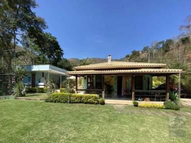 [SEC 402] Casas e sítios em Secretário, Petrópolis/RJ
