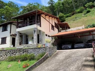 [SEC 3173] Casas e sítios em Itaipava, Petrópolis/RJ